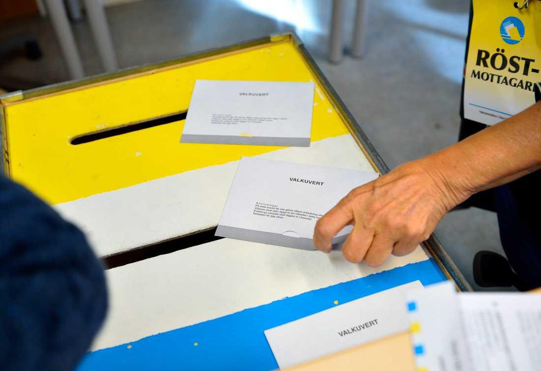 Har du redan röstat men ångrar dig? Inga problem! Förtidsrösterna kan du få tillbaka i vallokalen. Arkivbild.