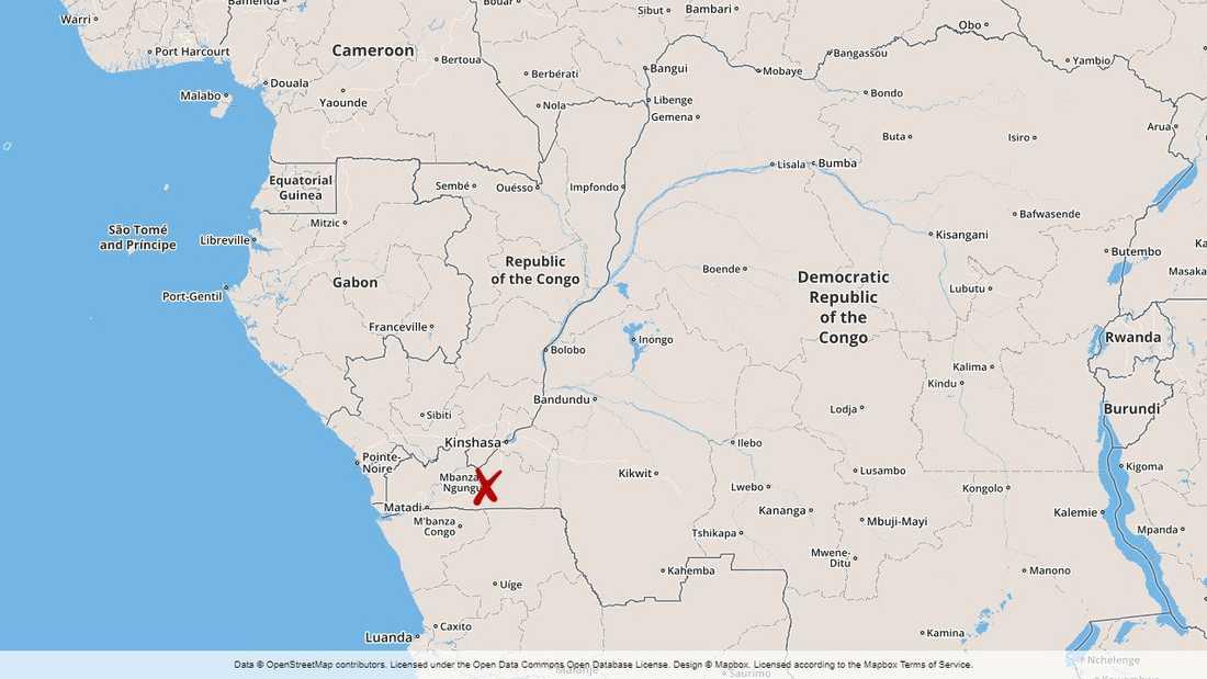 Tankbilsexplosionen skedde cirka tolv mil väster om Kongo-Kinshasas huvudstad Kinshasa.