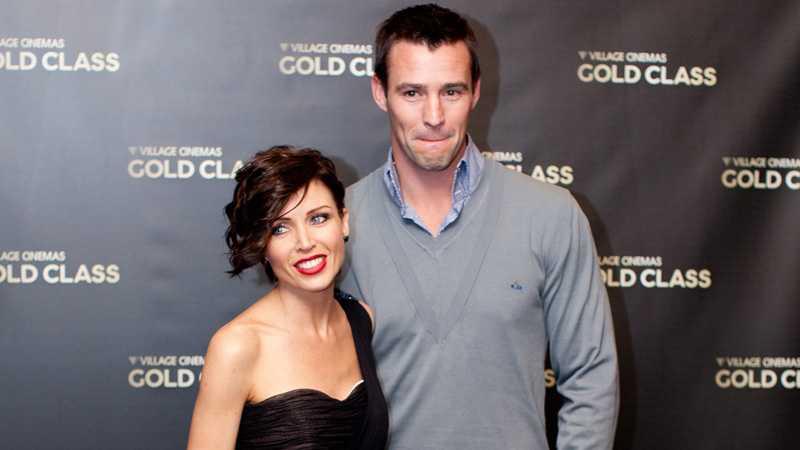 GÅR SKILDA VÄGAR Dannii Minogue och Kris Smith gör slut.