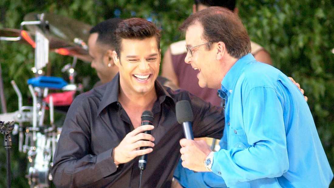 """Ricky Martin och Lasse Berghagen i """"Allsång på Skansen"""" 2001."""