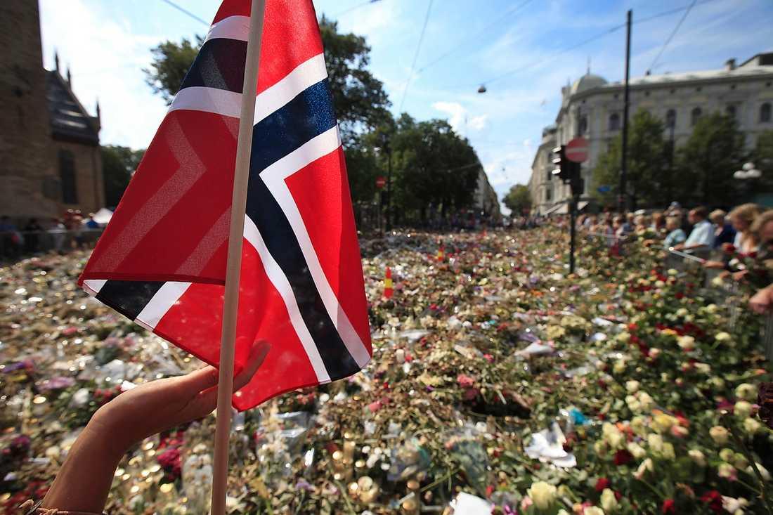 Klockan 15 …idag börjar minnesceremonin i Oslo Spektrum. Den sänds live på vg.no.