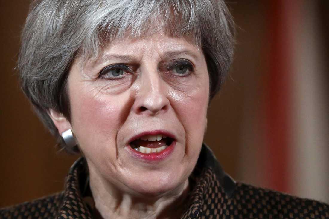 Storbritanniens premiärminister Theresa May kommenterar attacken i Syrien.