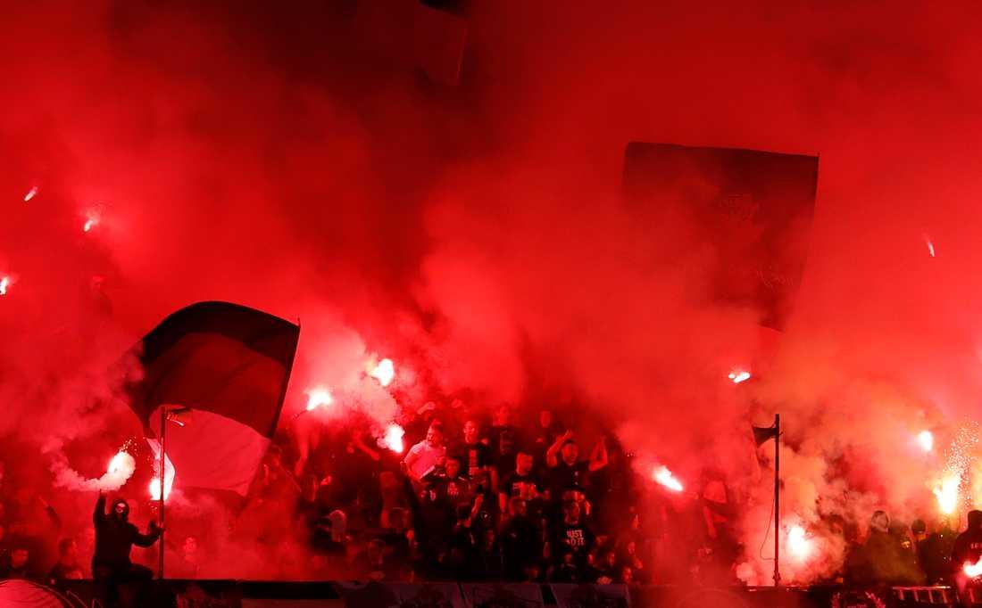 Så här såg det ut när Partizan Belgrad och Röda Stjärnan möttes i semifinal i den serbiska cupen den 10 juni med 16000 supportrar på läktaren. Arkivbild.