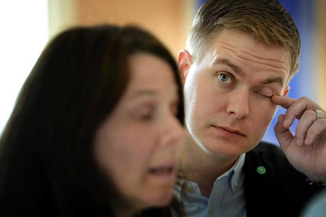 Miljöpartiets Gustav Fridolin och Åsa Romson.