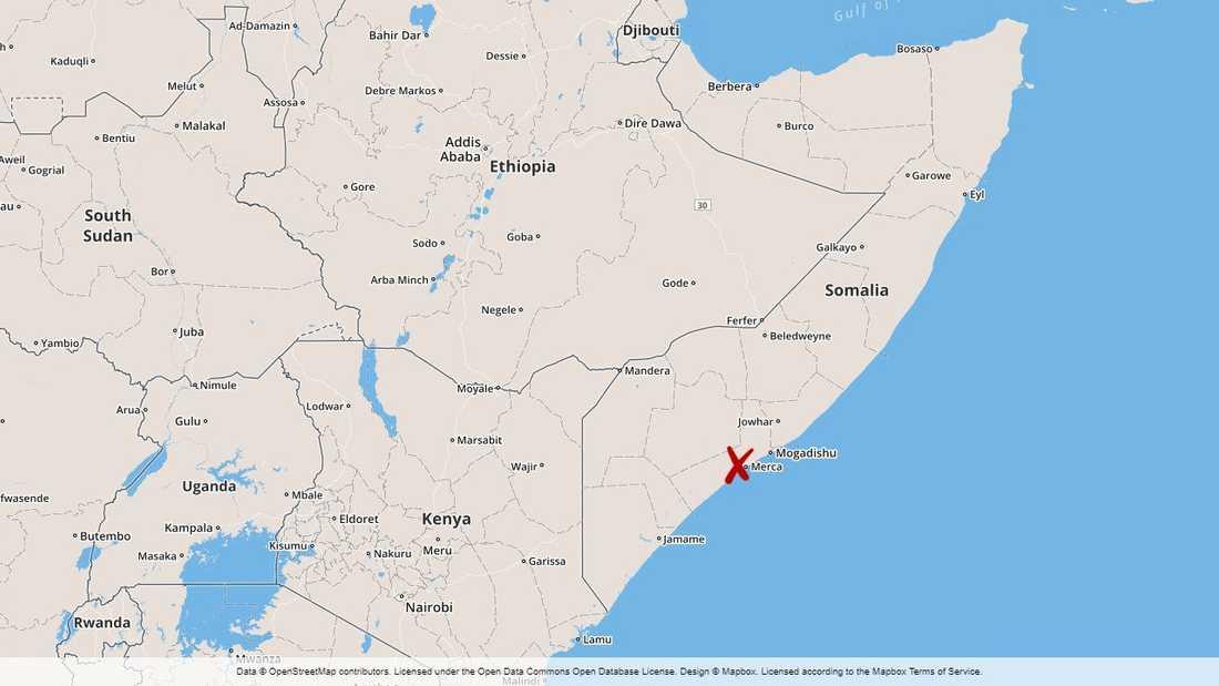 Militärbasen ligger i staden Awdhigle, ungefär sju mil från huvudstaden Mogadishu.