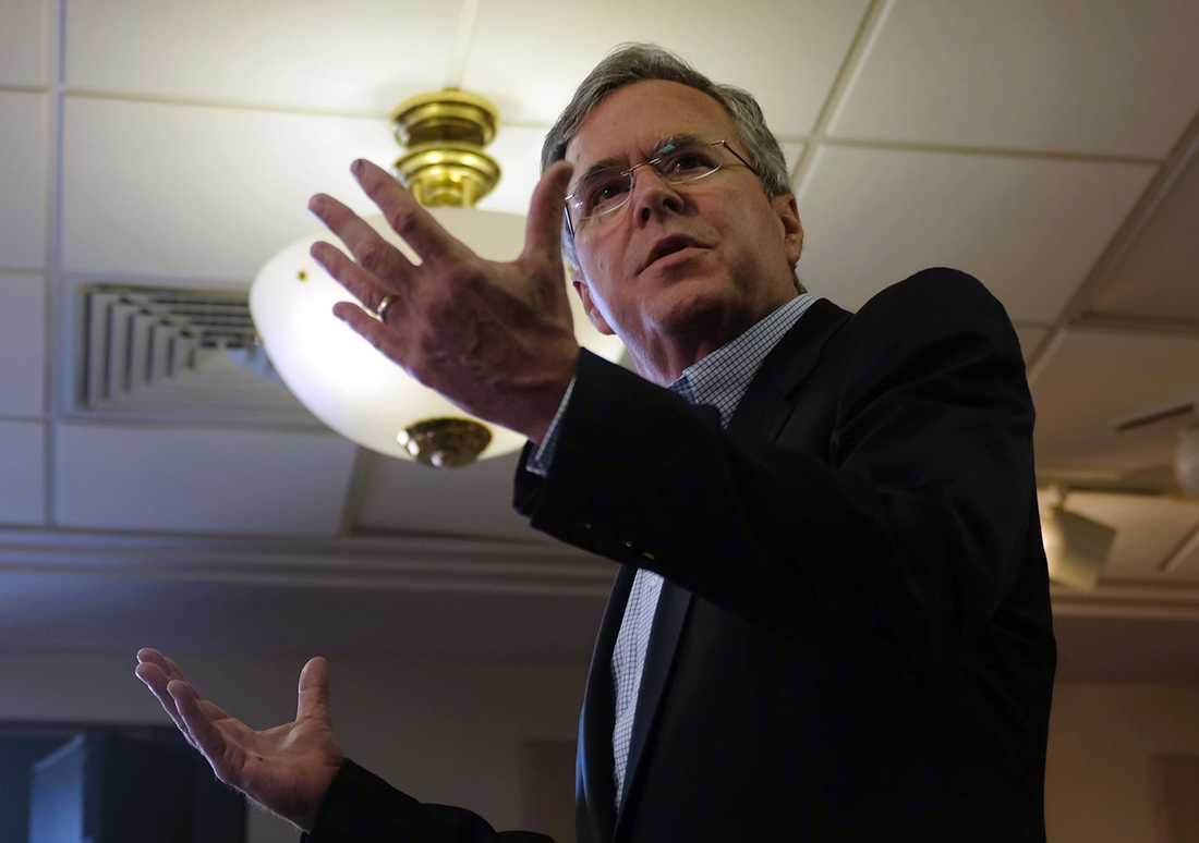 Jeb Bush håller valmöte i Clear Lake, Iowa.
