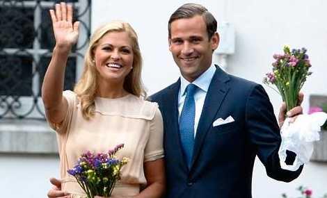 Nytt bröllop? Madeleine och Jonas förlovade sig också under året som gått.