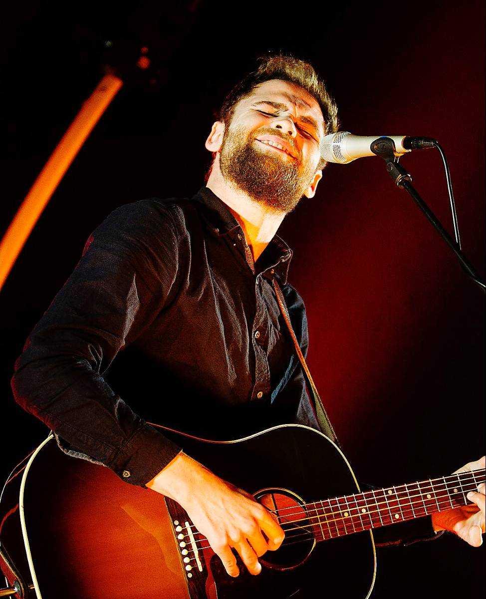 Charmknutte Somligt är uddlöst på Mike Rosenbergs konsert, men han har bra låtar och är nästan bäst i mellansnacket.