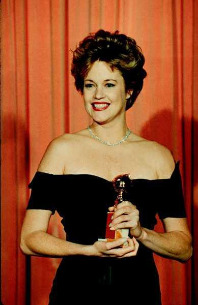 """MELANIE GRIFFITH Under 80-talet gjorde skådespelerskan Melanie Griffith braksuccé i """"Working girl"""" och en rad andra filmer.  På höjden av sin karriär 1989 fick Melanie Griffith ta emot en Golden globe för sin roll i filmen """"Working girl"""" (bilden)."""