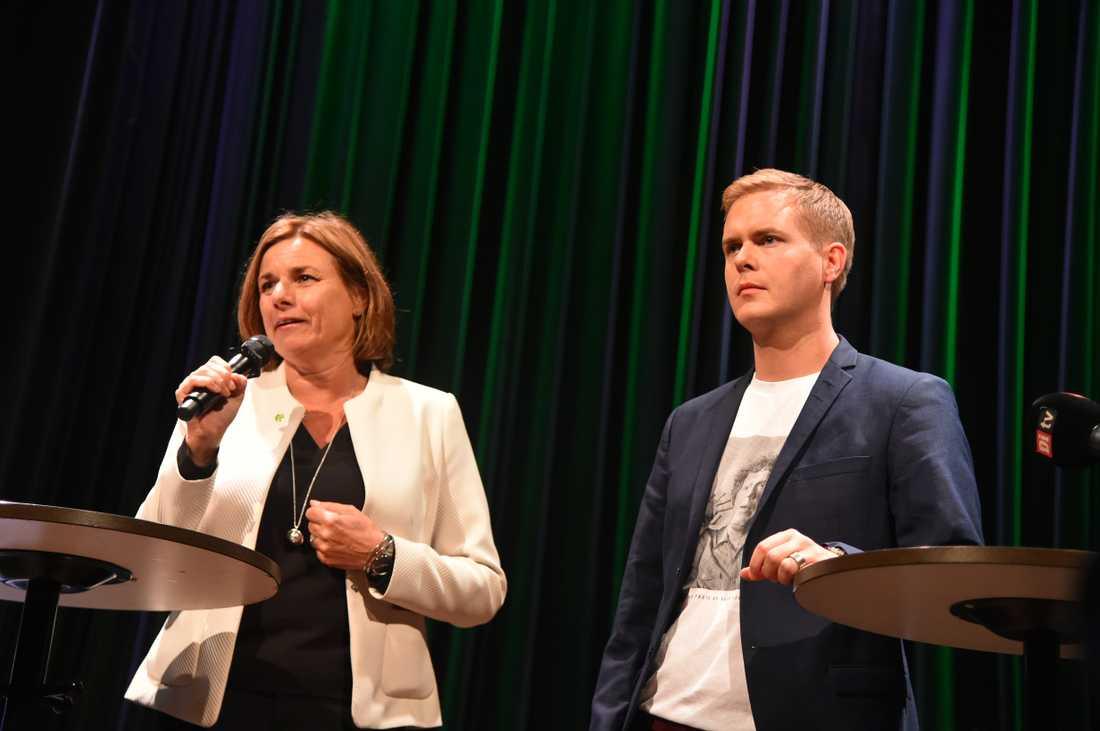 Miljöpartiets språkrör Isabella Lövin och Gustaf Fridolin på partiets valvaka.