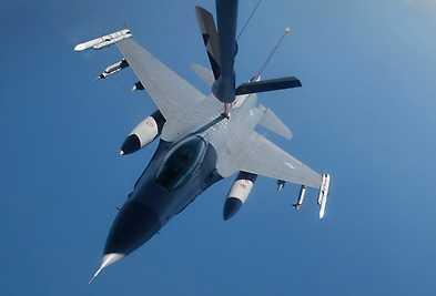 F 16.
