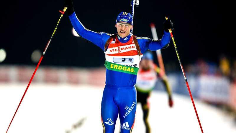 En lycklig Carl Johan Bergman vid målgång. Efteråt var svensken nära kollaps.