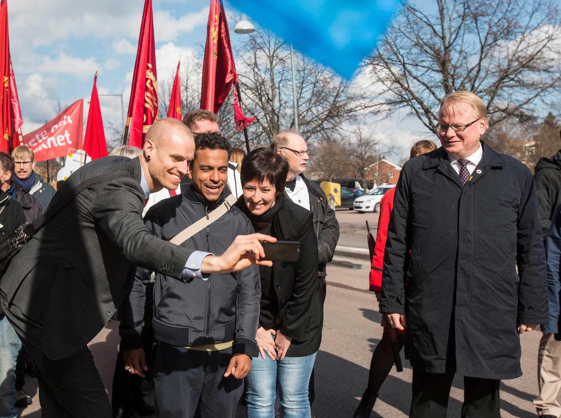 Mona Sahlin 1 maj 2016 i Borlänge. Tre dagar senare briserade skandalen med livvakten efter Expressens granskning