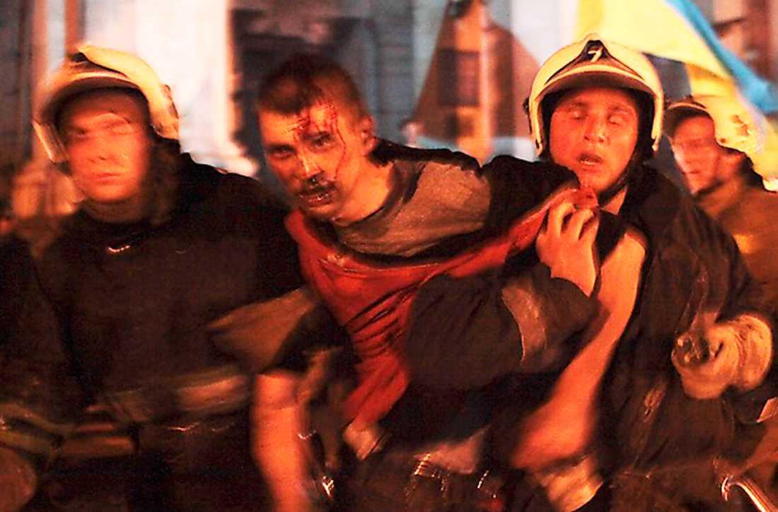 50 människor dödades när nationalister attackerade Fackföreningens hus i Odessa.