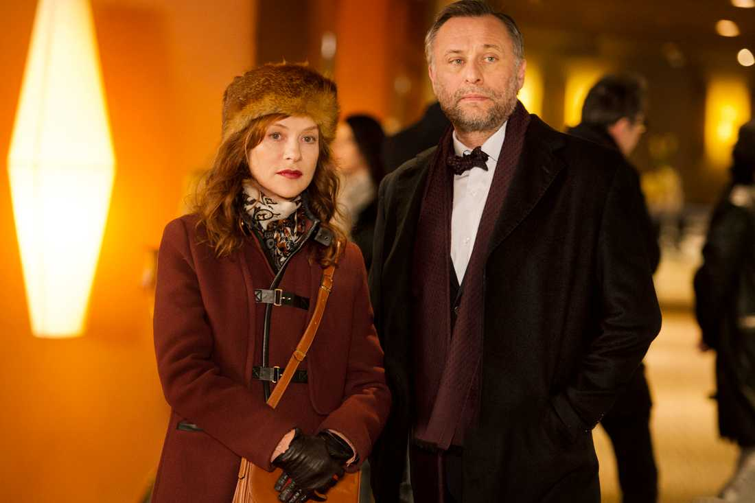 "Isabelle Huppert och Michael Nyqvist i ""La Ritournelle"" – ""En tripp till Paris""."