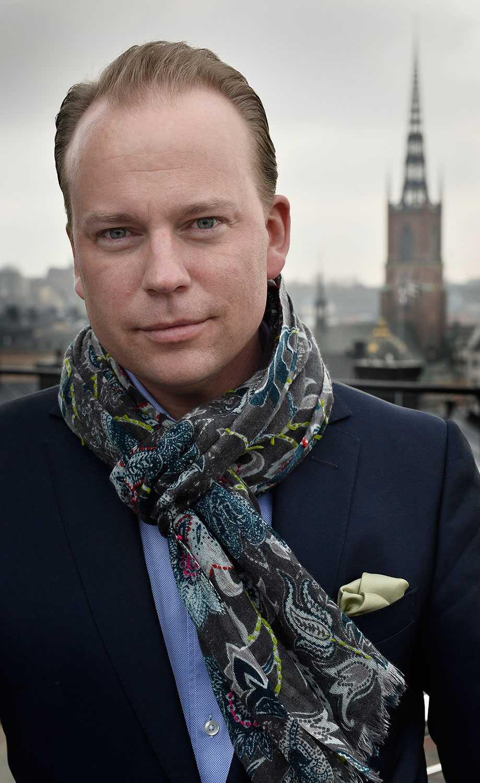 """Olof Lavesson (M) vill inte heller svara: """"Det tycker jag är en privat uppgift""""."""