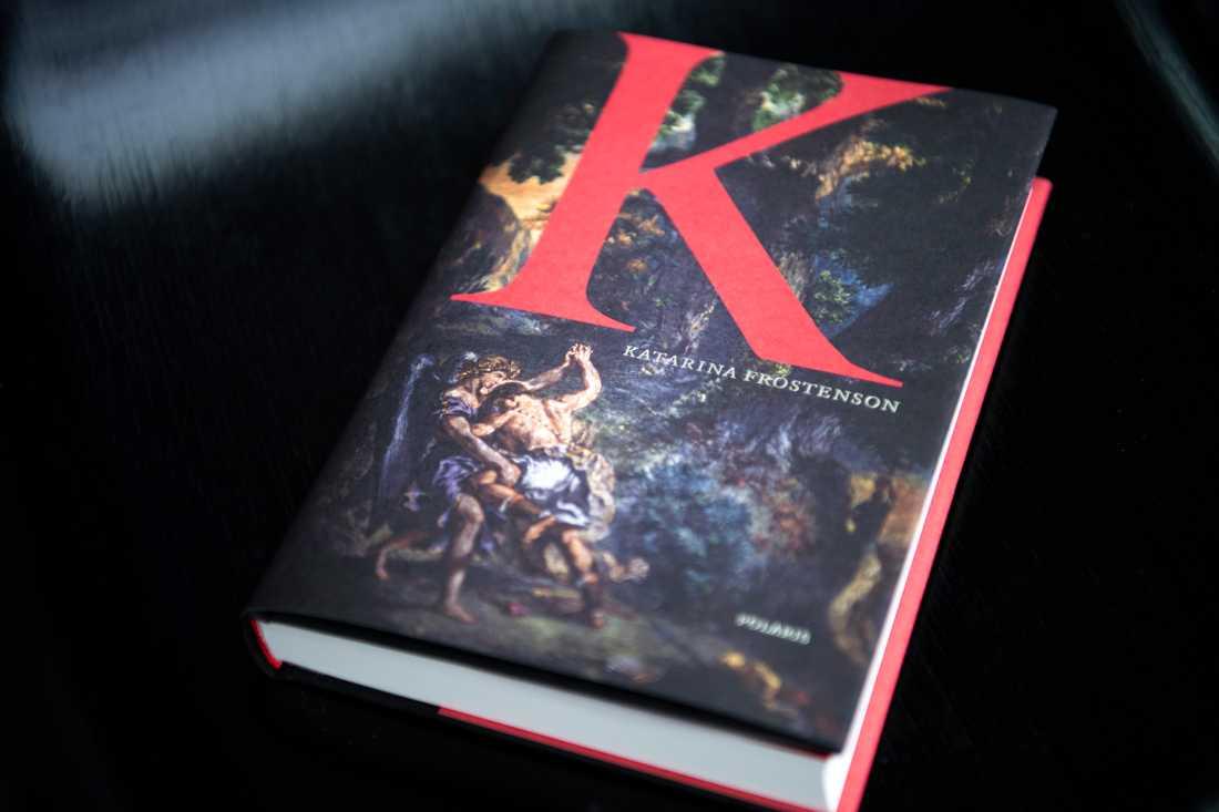 "Katarina Frostensons bok ""K""."