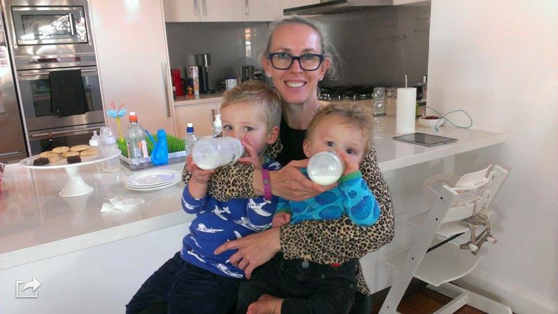 Chatarina Davidsson Brady är en av rekordmånga svenskor som flyttat utomlands. Hon bor i Perth, Australien med maken Andrew och sönerna Charlie och Felix.