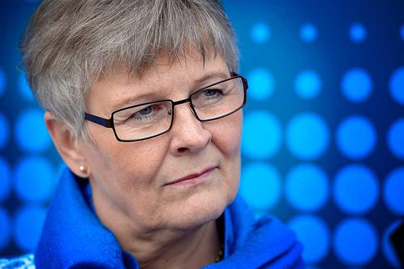 Maud Olofsson går till rasande angrepp mot KD och M efter deras budgetmanöver i riksdagen.