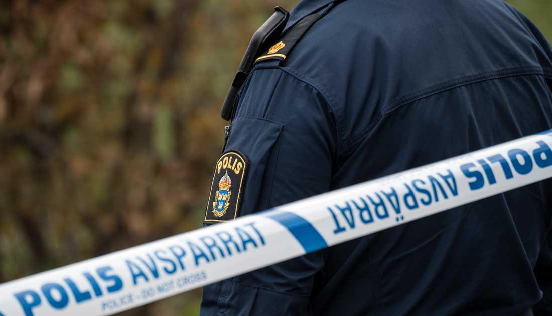 Polisen letar en man som knivskurit en annan man i Uddevalla. Arkivbild.