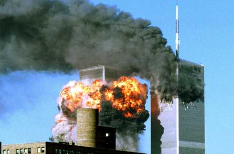 1 – Terrorattacken Den 11 september 2001 attackeras World Trade Center i New York av terrorister.