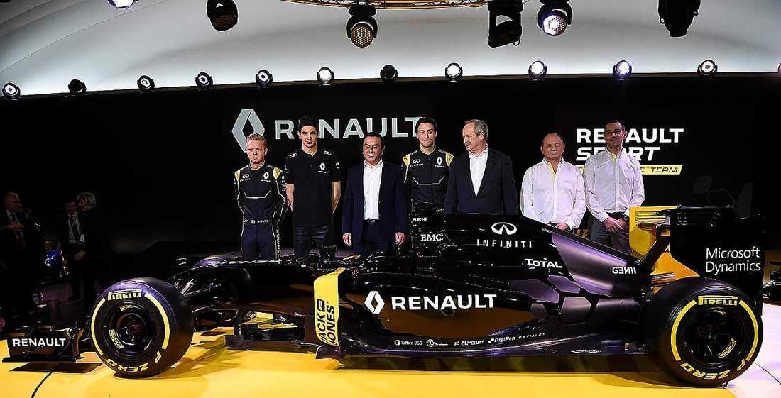 Visar upp nya bilen  Renault gör F1-comeback i år, med danske Kevin Magnussen och britten Jolyon Palmer som förare.