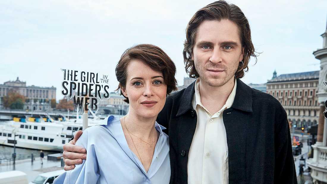 Claire Foy och Sverrir Gudnason.