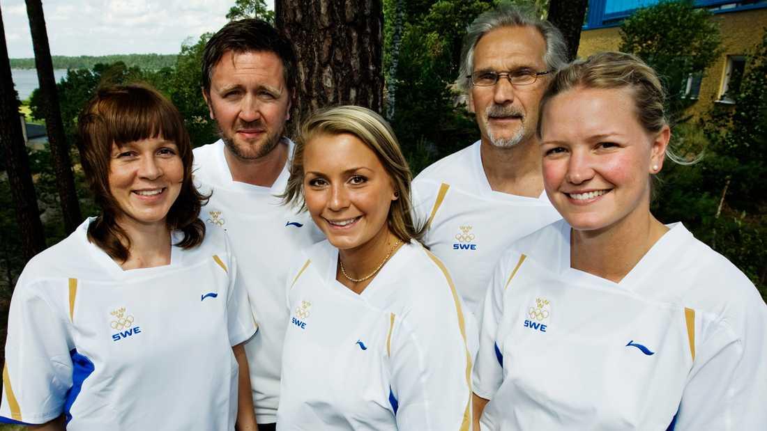 Handbollstruppen presenteras inför OS i Peking 2008. Isabelle Gulldén tillsammans med Jessica Enström, Per Johansson, Ulf Schefvert och Johanna Wiberg.