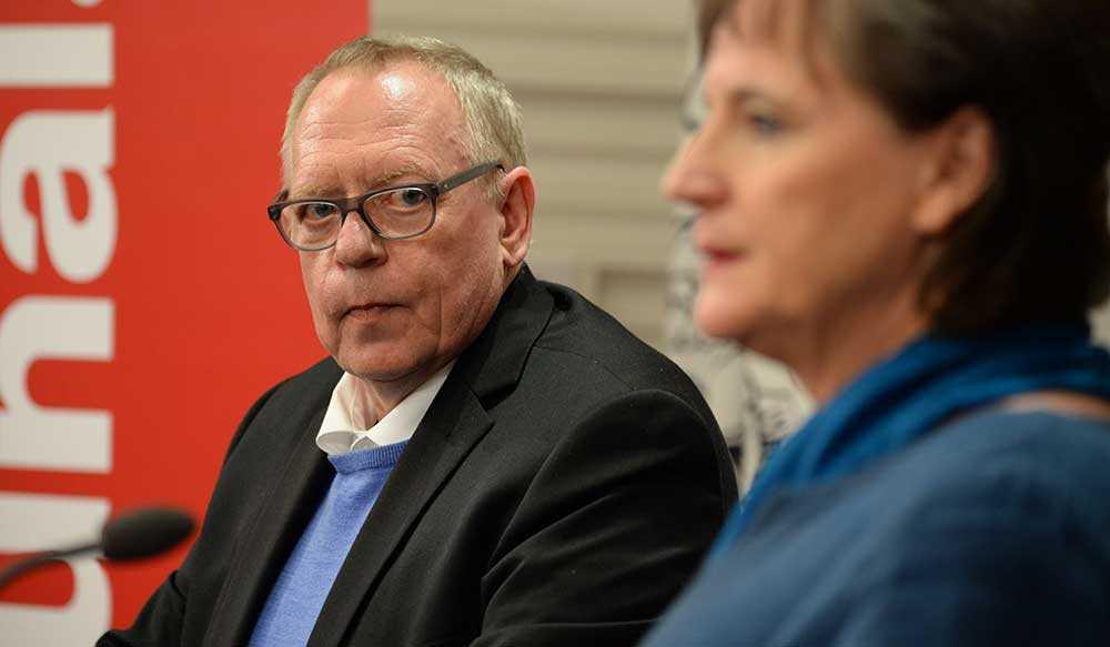 Förbundskassören Anders Bergström meddelade i dag att han avgår från sina uppdrag inom Kommunal.
