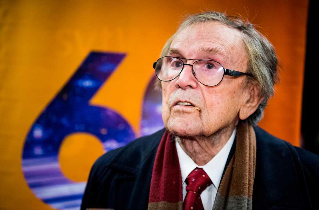 Arne Weise valde att lämna inspelningen av SVT:s jubileumsprogram.
