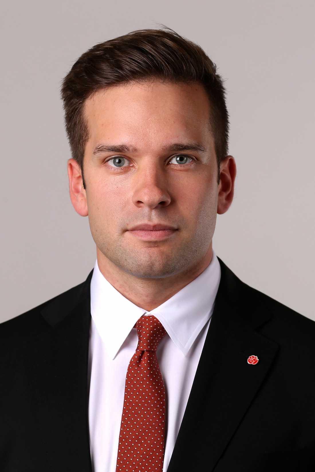 SNYGGMINISTERN Nyblivne hälsoministern Gabriel Wikström (S) har utpekats som världens sexigaste minister. En hedrande titel tycker han själv.