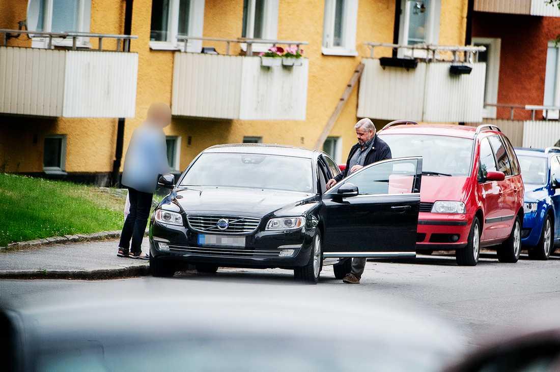 Transportordföranden Lars Lindgren reser sällan ensam.