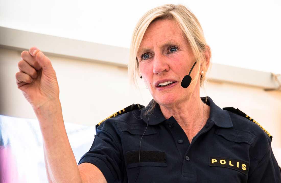 Regionpolischefen Carin Götblad kräver handling.