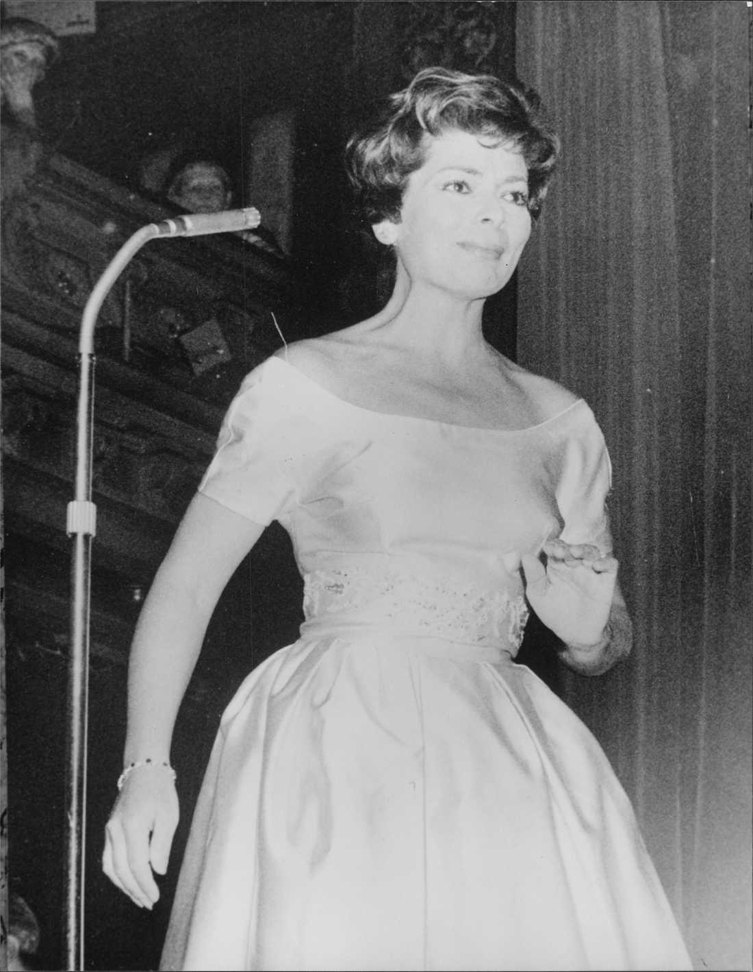 Lys Assia under ett uppträdande på Berns 1957.