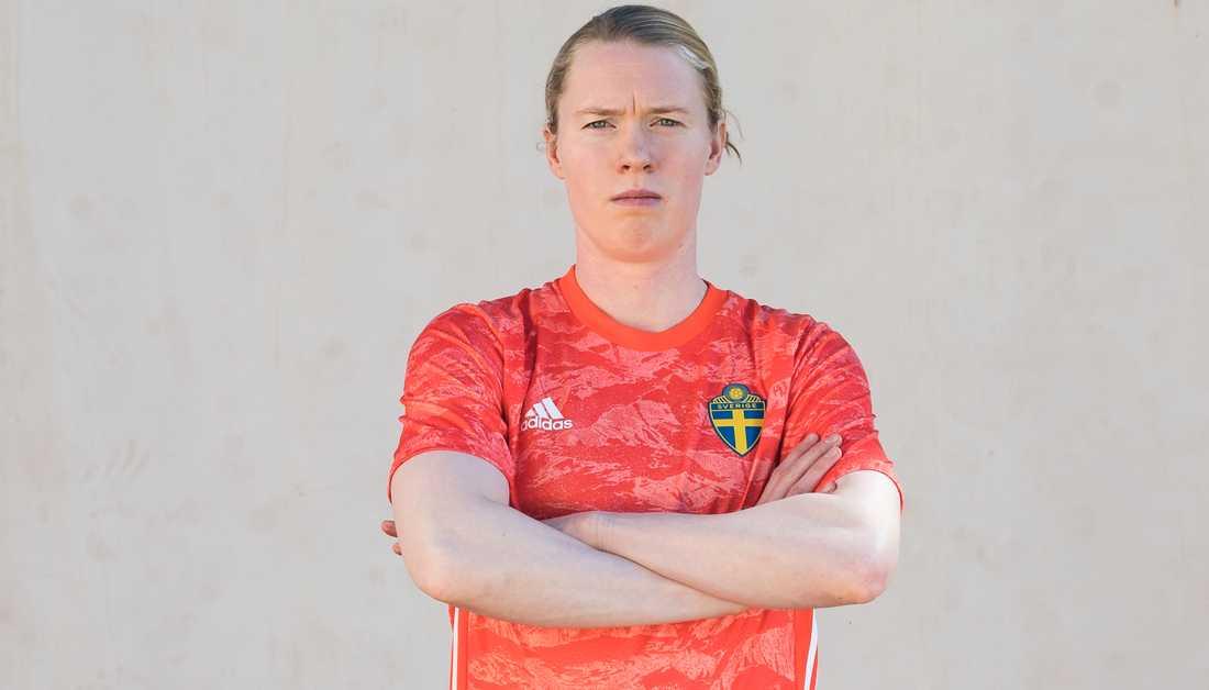 Hedvig Lindahl i nya landslagströjan