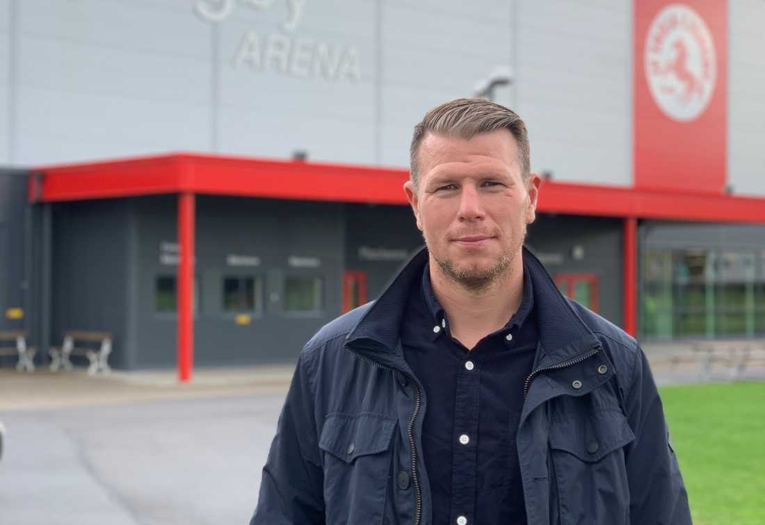 Johan Andersson vid Ljungby Arena där karriären startade – och slutade.