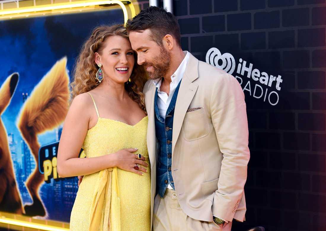 Blake Lively och Ryan Reynolds på röda mattan i New York i går kväll.
