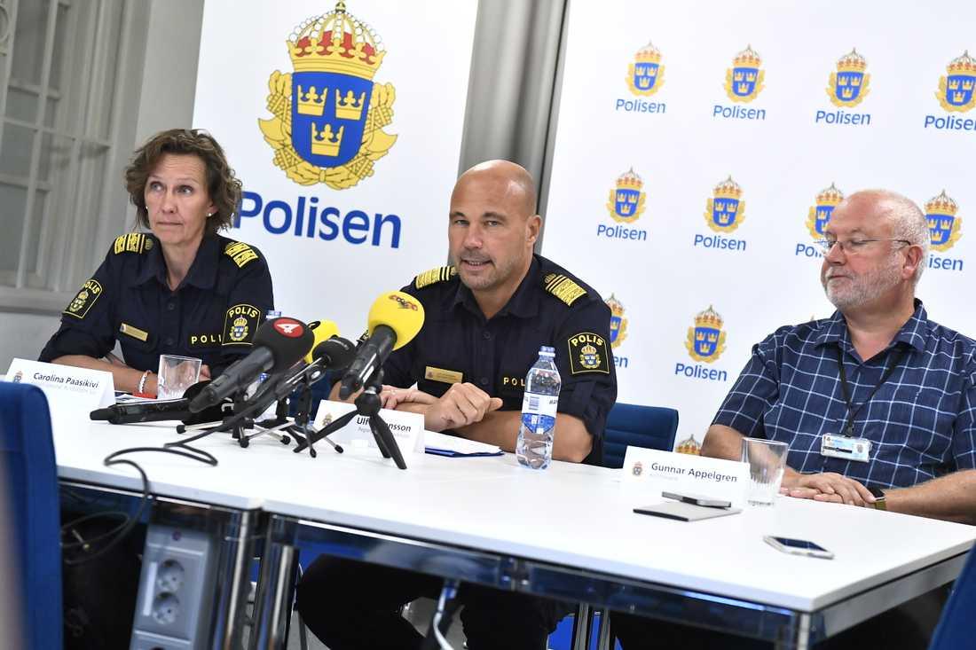Polisområdeschef Carolina Paasikivi, regionpolischef Ulf Johansson och poliskommissarie Gunnar Appelgren.