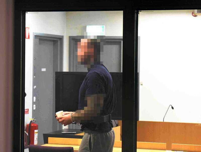 33-åringen är misstänkt för att ha misshandlat och utpressat ytterligare en exflickvän.