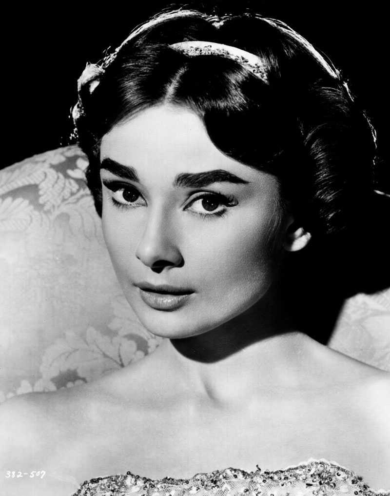 """Audrey Hepburn, 1956, i """"Ariane""""."""
