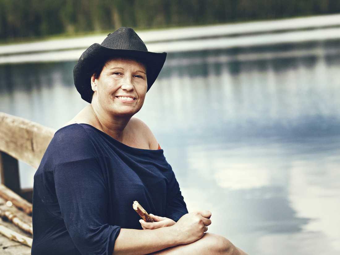 """""""Janikke har varit storbonde två gånger och aldrig försökt lösa en konflikt"""", säger Anna-Carin """"AK"""" Nyberg."""