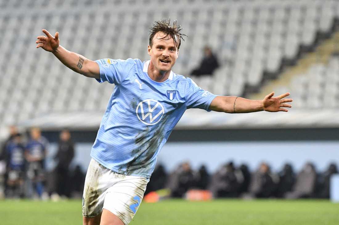 Eric Larsson och hans Malmö FF är klart för vårens gruppspel i svenska cupen utan att spela. Lunds BK tvingats lämna walk over i kvalet och MFF tilldöms därmed segern med 3–0. Arkivbild.