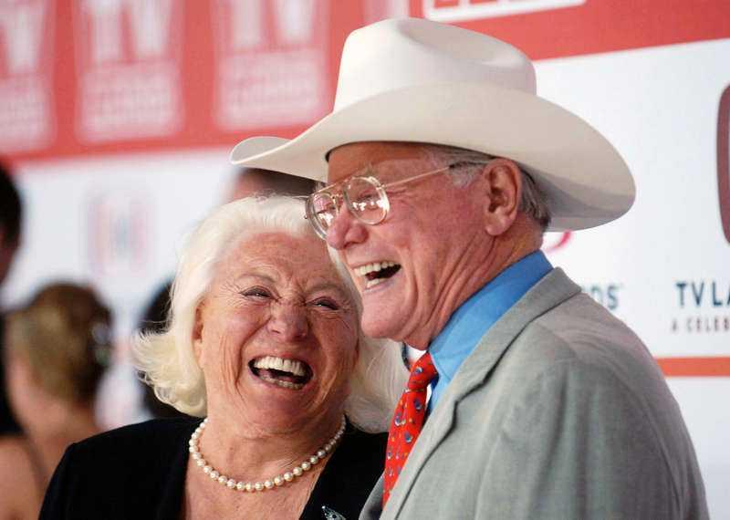 gifta i 58 år  Larry Hagman har nu helt förlorat kontakten med sin svenska fru Maj.
