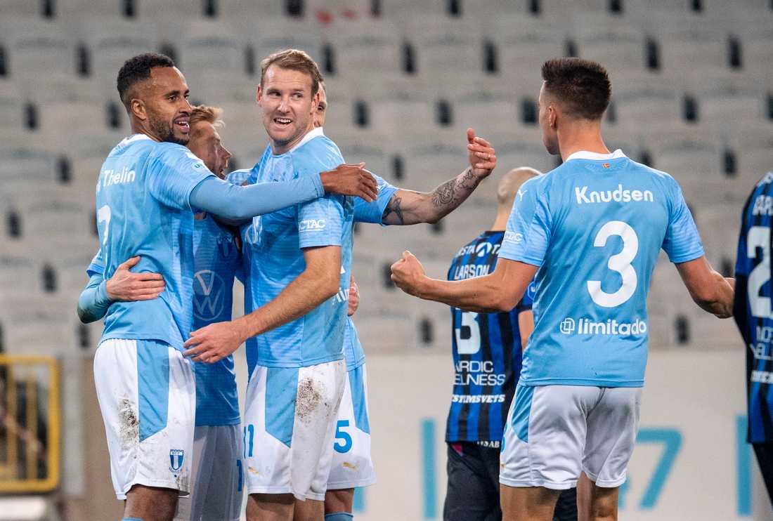 Sportsligt gick det bra för Malmö FF i fjol, då man tog SM-guld. Men ekonomiskt blev det en storförlust på grund av coronapandemin. Arkivbild.