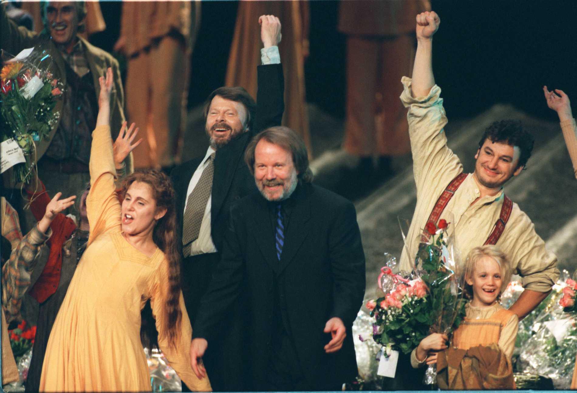 Helen Sjöholm, Björn Ulvaeus, Benny Andersson och Anders Ekborg under premiären i Malmö.