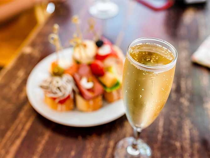 Cava,  prosecco, eller champagne? Här berättar journalisten Jon Hansson allt om cava.