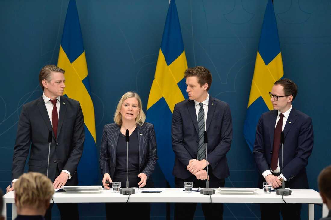 Per Bolund (MP), Magdalena Andersson (S), Emil Källström (C) och Mats Persson (L). Januaripartiernas ekonomisk-politiska kvartett