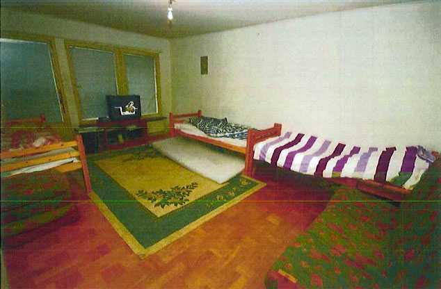 Här är rummet där kvinnan våldtogs.