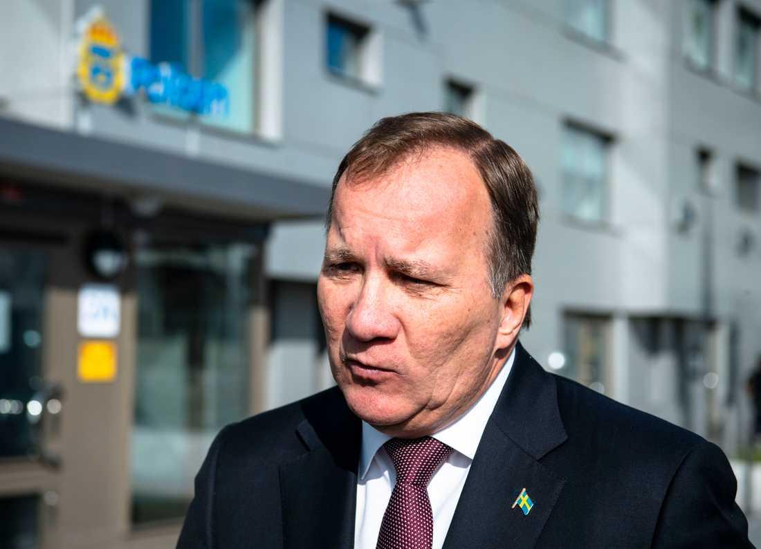 """""""Avskyvärt"""", säger statsminister Stefan Löfven (S) om hoten mot SVT:s personal."""