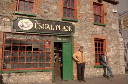 """I Ennis träffas man på """"det vanliga stället""""."""